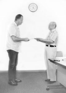 Eugen primeste diploma de la Doi sensei